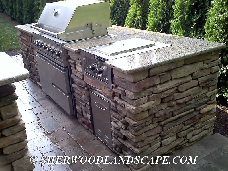 Outdoor Kitchen Construction - Macomb County Landascaping