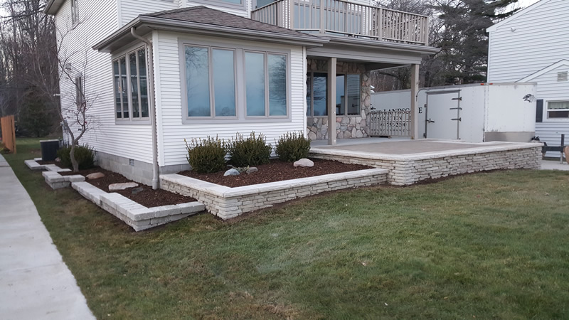 brick-paver-patio-retaining-wall