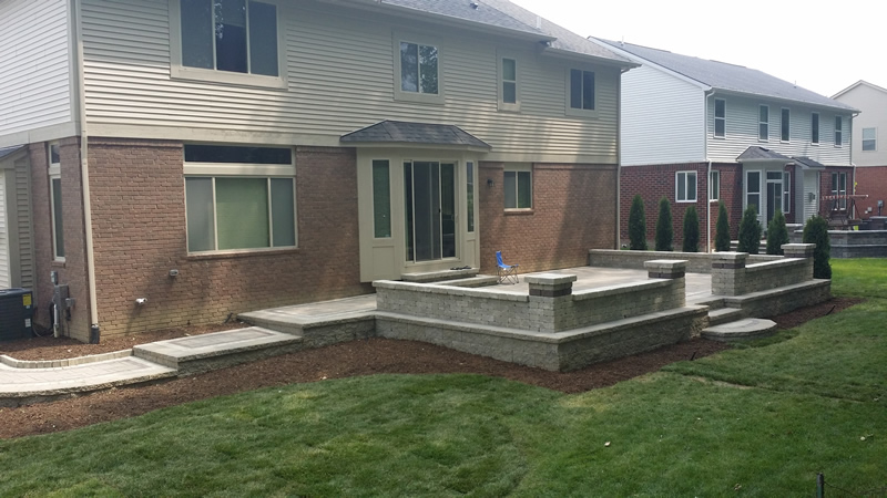 brick-paver-patio-walkway-retaining-wall