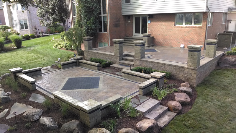 brick-paver-patios-retaining-walls-pillars