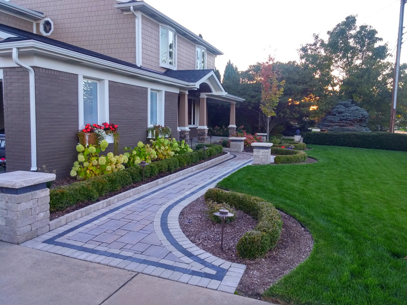 brick-paver-walkway-pillars